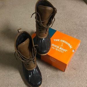 The original duck boot by Sporto women's size 9.5